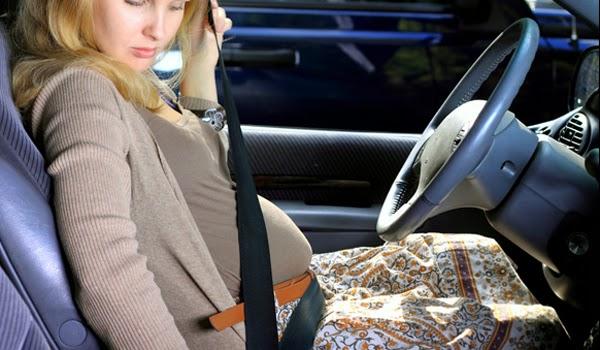 878691_como-usar-o-cinto-de-seguranca-durante-a-gravidez1